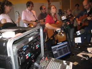 Casey Henry, Buddy Woodward, Jeremy Darrow, Brandi Hart, Rachel Johnson and Robin Davis in WAMU's remote studio in the Renaissiance Hotel in Nashville, TN.